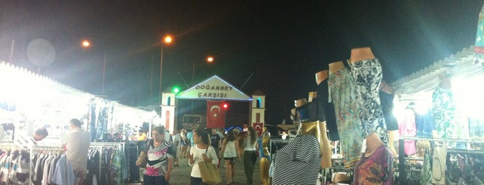 Doğanbey Gece Pazarı is one of İzmir.