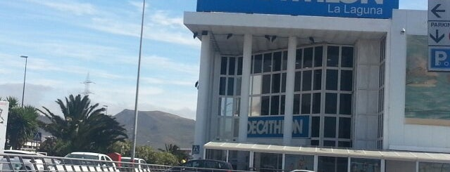 Decathlon La Laguna is one of Locais curtidos por Plot.