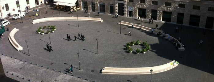 Piazza San Silvestro is one of Bici.