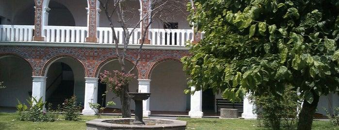 Museo de Arte Religioso Ex-Convento de Santa Mónica is one of Rutacentro.