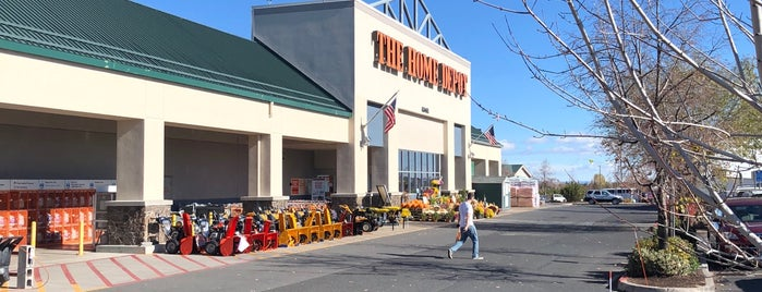The Home Depot is one of Locais curtidos por Krzysztof.