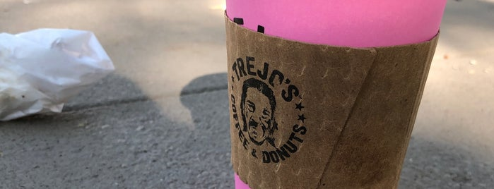 Trejo's Coffee & Donuts is one of Beauさんのお気に入りスポット.