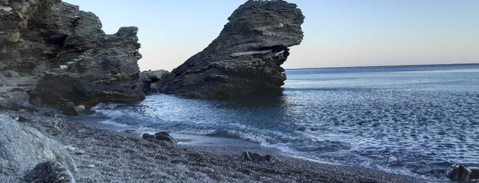Mourou Beach is one of α μουργος.