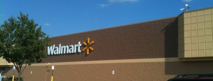 Walmart Supercenter is one of check ins.
