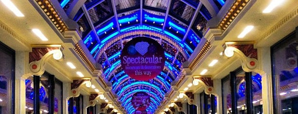 intu Trafford Centre is one of ♥~.