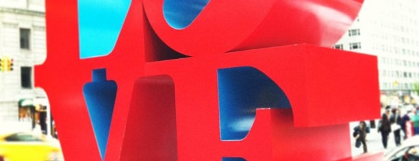 LOVE Sculpture by Robert Indiana is one of Nova York.