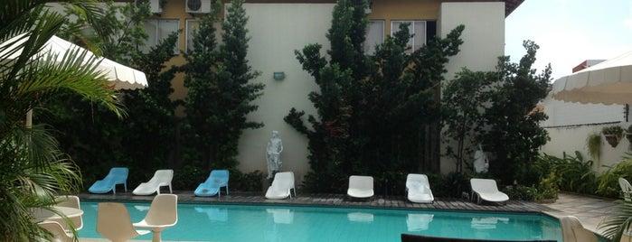 Hotel Cívico is one of สถานที่ที่ Edgar ถูกใจ.