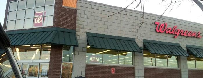 Walgreens is one of Orte, die Tucker gefallen.