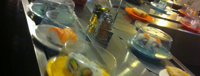 Happy Sushi is one of Locais curtidos por Olivier.