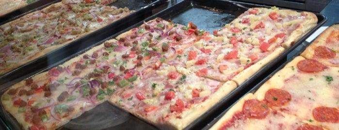Pizza Rustica is one of Tempat yang Disukai safiya.