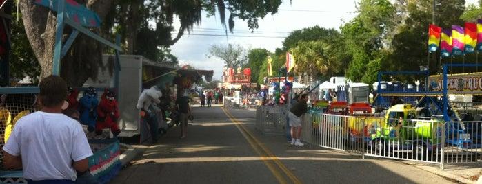 Downtown Palm Harbor is one of Danny'ın Beğendiği Mekanlar.