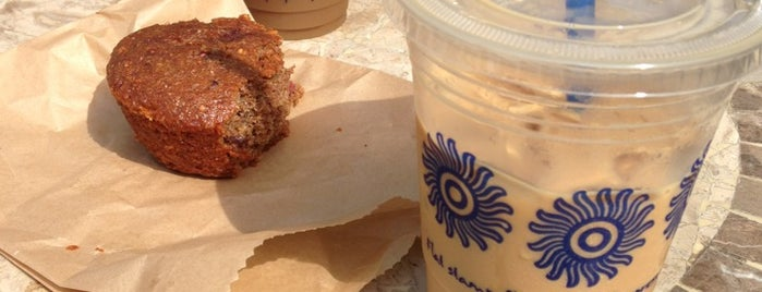 The Coffee Bean & Tea Leaf is one of David & Dana's LA BAR & EATS!.