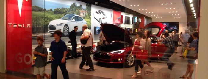 Tesla Motors is one of Orte, die Chris gefallen.