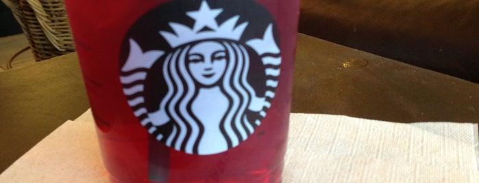 Starbucks is one of Aptraveler 님이 좋아한 장소.