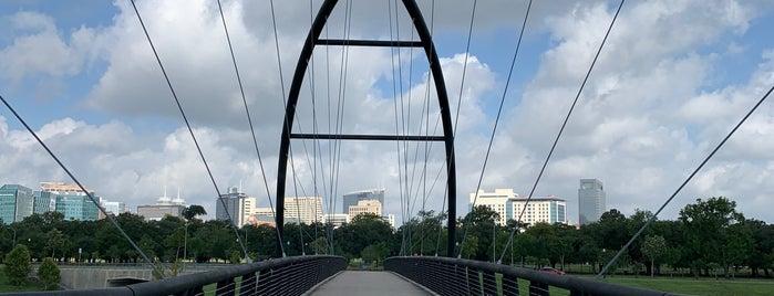 Bill Coats Bridge is one of Tempat yang Disukai Aptraveler.
