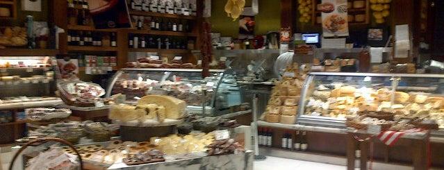 Valenti is one of Orte, die Ezequiel gefallen.