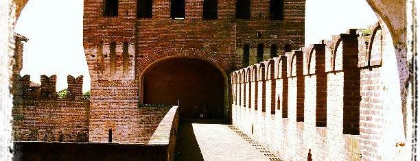 Castello di Soncino is one of Locais curtidos por Sergei.
