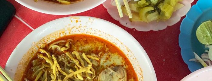 ข้าวซอย ข้าวมันไก่ กาดก้อม is one of เชียงใหม่_5_noodle.