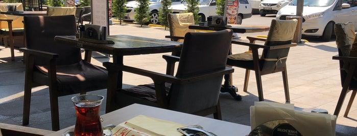 Hamur House Cafe & Bistro is one of Locais curtidos por Burak.