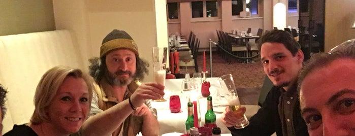 Restaurant Vitruv is one of Tempat yang Disukai Ricardo.