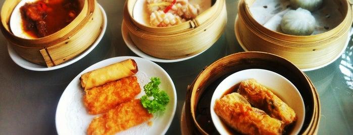 Yu Chu Chinese Restaurant is one of Lugares favoritos de Dan.