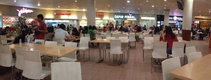 Foodcourt Plaza Central is one of All-time favorites in Indonesia.