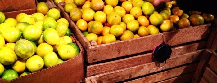 Didube Market | დიდუბის ბაზრობა is one of Lieux sauvegardés par Galina.