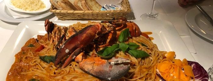AEYIALOS beach restaurant is one of Anton 님이 저장한 장소.