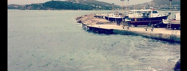 Λιμάνι Παλαιάς Φώκαιας is one of Ifigenia : понравившиеся места.