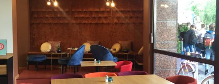 Vienna House Easy is one of Oleksandr : понравившиеся места.