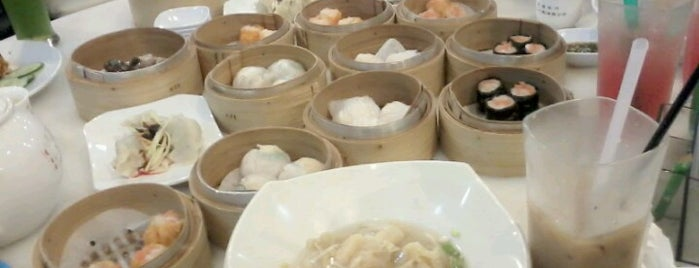 Greentown Dimsum Cafe is one of Rahmat 님이 좋아한 장소.