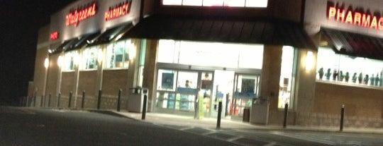 Walgreens is one of สถานที่ที่ Meg ถูกใจ.