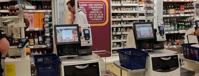 Sainsbury's Local is one of Lugares favoritos de Manuel.