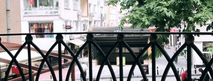 Titiz Dürüm Nalbantoğlu is one of Orte, die / $ 🐾 /< gefallen.