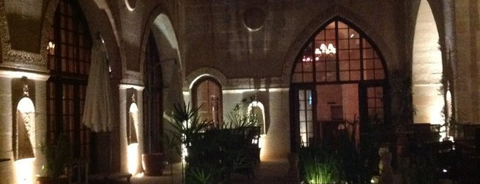 Shmayaa Hotel is one of Posti che sono piaciuti a Esra.