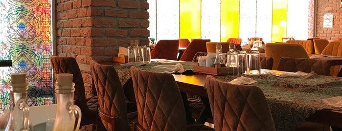 Mojgan iranian restaurant is one of Lieux sauvegardés par Hamit.