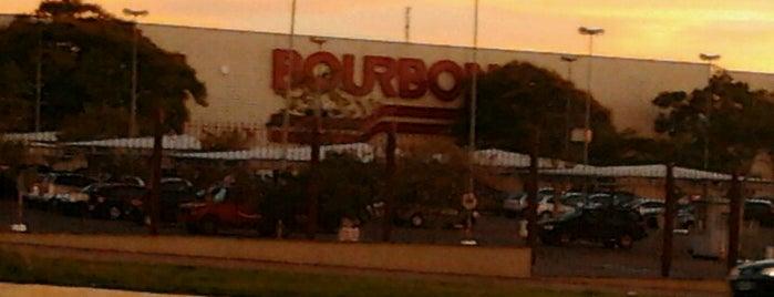 Bourbon Shopping is one of Maa'nın Beğendiği Mekanlar.
