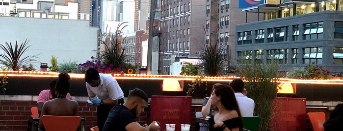 Cantina Rooftop is one of Pamela'nın Beğendiği Mekanlar.