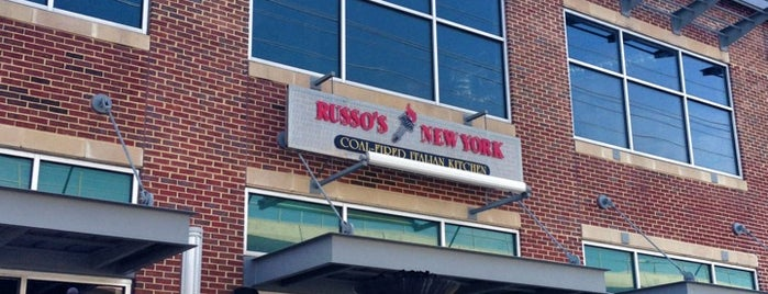 Russo's Coal-Fired Italian Kitchen is one of Dan'ın Kaydettiği Mekanlar.