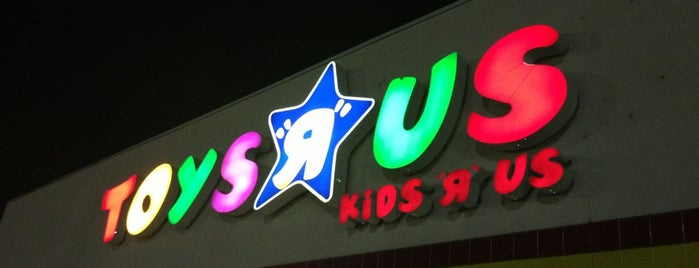 "Toys""R""Us is one of Crawfordさんのお気に入りスポット."
