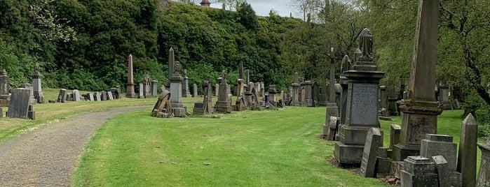 Glasgow Necropolis is one of Lugares favoritos de Paige.