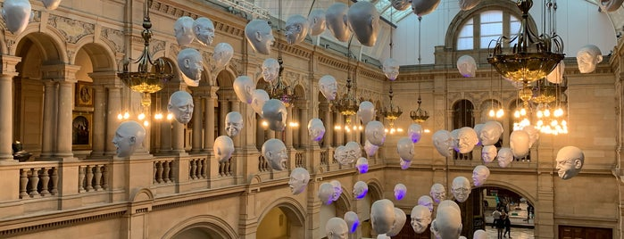 Kelvingrove Art Gallery and Museum is one of Lugares favoritos de Paige.