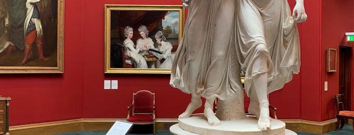 Galería Nacional Escocesa is one of Lugares favoritos de Paige.