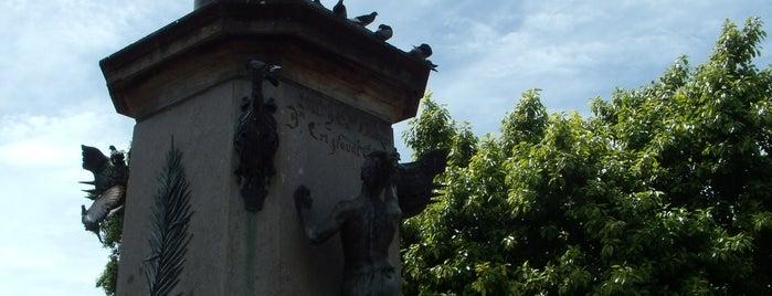 Santo Domingo, Dominican Republic is one of Posti che sono piaciuti a Monique.