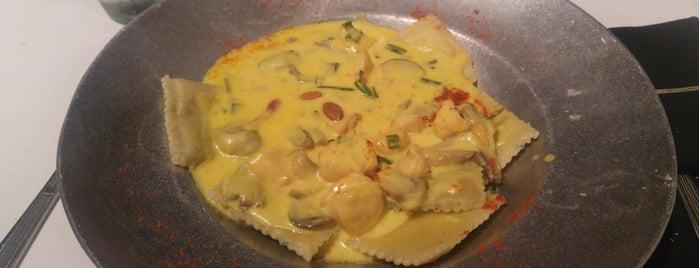 Amé Restaurant is one of Lugares favoritos de Alejandro.