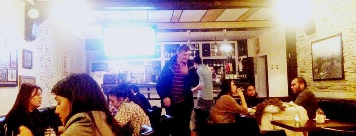 A&F Café is one of Locais curtidos por Berna💫.