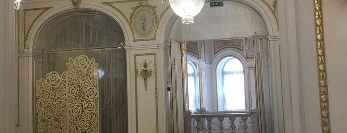 Дворец Сюзора is one of Сп.