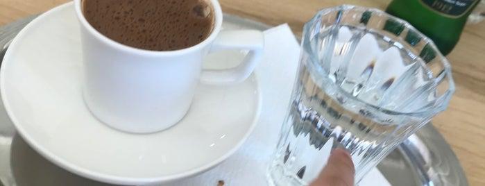 Ülkü Pastanesi is one of Murat karacim 님이 좋아한 장소.