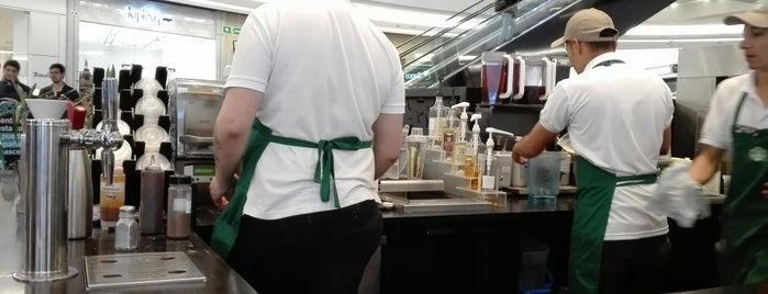 Starbucks is one of Lieux qui ont plu à Raúl.