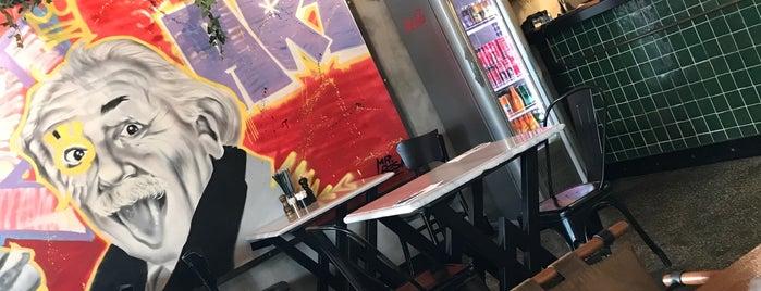 Burgeroom is one of Lieux sauvegardés par Begüm.